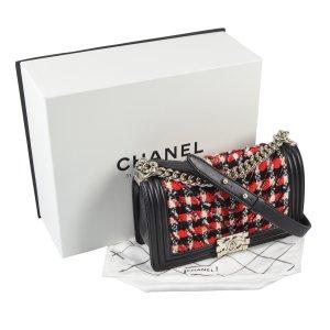 CHANEL Boy Bag Chevron Tweed Handtasche @mylovelyboutique.com