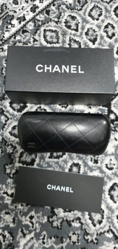 CHANEL Brillenbox mit Box