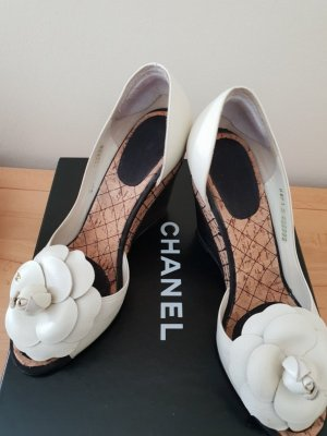 CHANEL Camelien Pumps Keilabsatz Gr.38,5 Top Zustand
