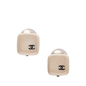 Chanel Pendiente beige