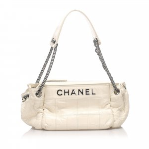 Chanel Chocolate Bar Leather Shoulder Bag