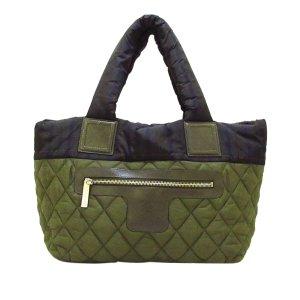 Chanel Borsa larga verde Nylon