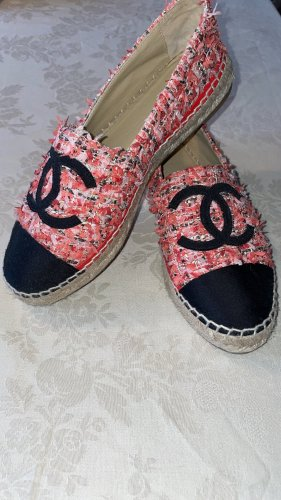 Chanel Slip-on Shoes red-black