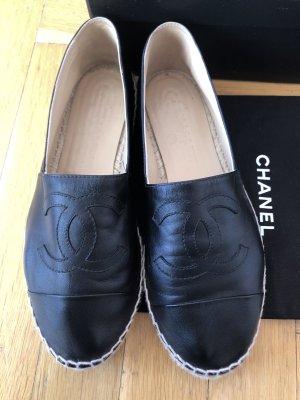 Chanel Zapatos sin cordones negro