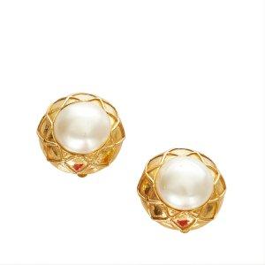 Chanel Earring white metal