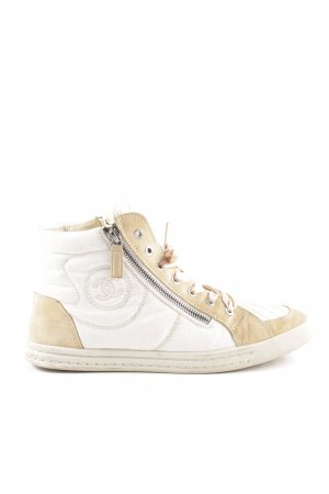 Chanel High Top Sneaker nude-weiß Steppmuster Casual-Look