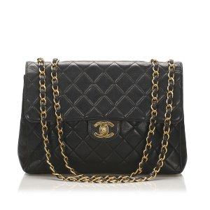 Chanel Jumbo Classic Lambskin Single Flap Bag