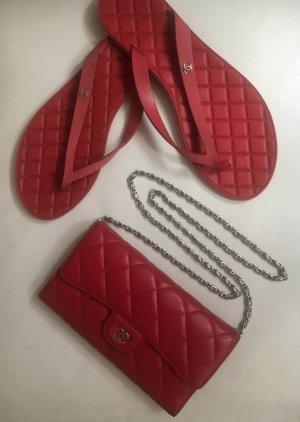 Chanel lange klassische Geldtasche Portemonnaie Pattenbrieftasche Lambskin