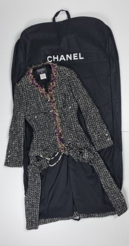 Chanel Mantel
