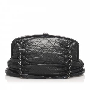 Chanel Matelasse Chain Leather Shoulder Bag
