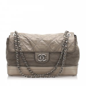 Chanel Matelasse Leather Shoulder Bag