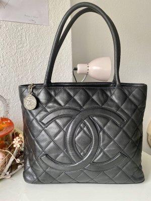 Chanel Médaillon Vintage