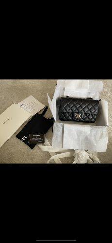 Chanel Mini Flag Bag Rectângular Lammleder mit goldener Hardware