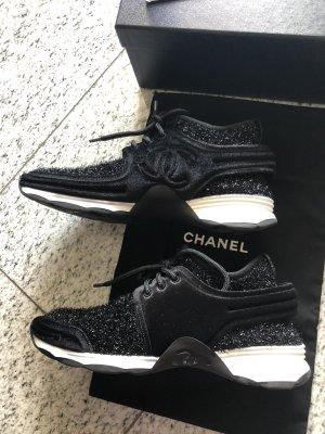 CHANEL Neu sneaker in schwarz mit weißer Sohle