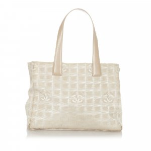 Chanel Bolso de compra beige Nailon