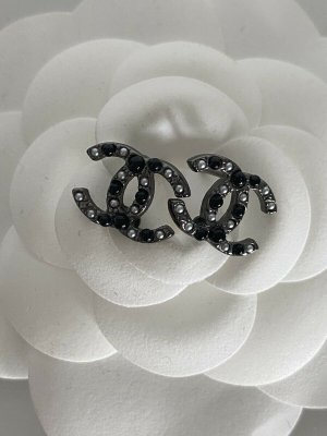CHANEL Ohringe Ohrstecker CC Logo Perlen schwarz silber w Neu ORIGINAL earings