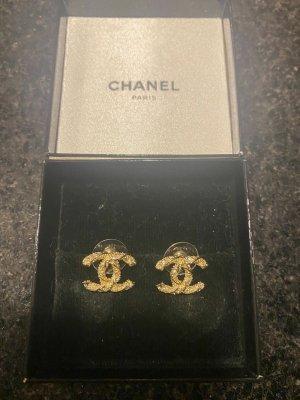 Chanel Zarcillo color oro metal