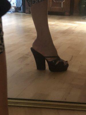 Chanel Sandalo con plateau nero