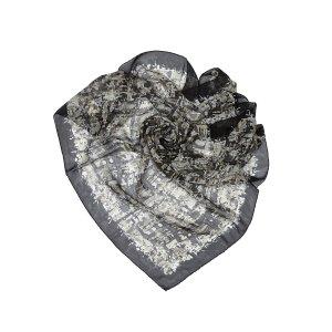 Chanel Écharpe gris clair soie