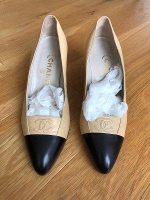 Chanel Pumps met sleehak beige-zwart