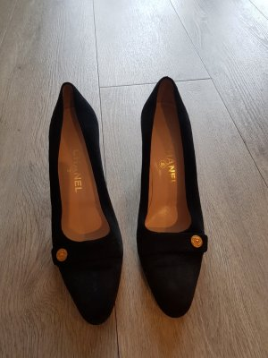 Chanel Pointed Toe Pumps black