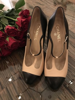 Chanel Pumps Timeless