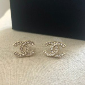 Chanel Ear stud white-silver-colored
