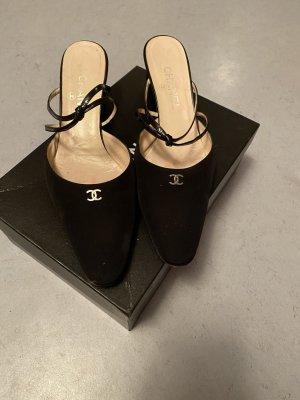 Chanel Pumps met bandjes zwart
