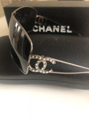 CHANEL Schwarze CC Logo Swarovski Crystals Sonnenbrille 4072-B