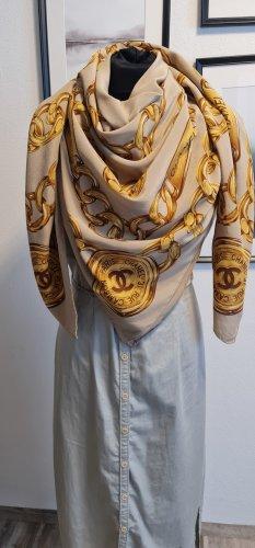 Chanel Écharpe en soie doré-brun sable