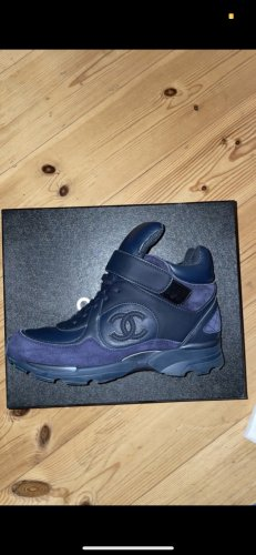 Chanel Sneaker Ankle Strap 37.5
