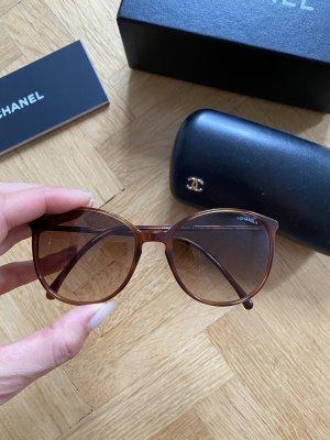Chanel Gafas de sol ovaladas marrón