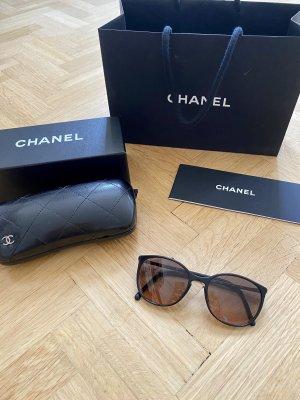 Chanel Occhiale da sole rotondo nero