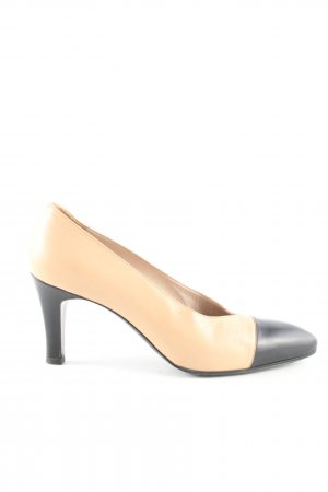 Chanel Pointed Toe Pumps cream-black business style