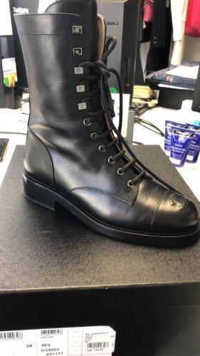 Chanel Bottes à lacets noir