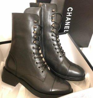 Chanel Stiefeletten