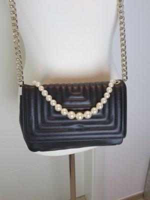 Chanel Style  Bag Umhaengetasche von Zara in schwarz gesteppt mit Perlendetail Chainbag Chane Style