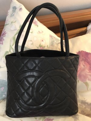 Chanel Handbag black leather