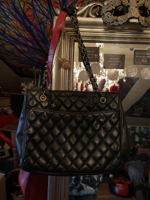Chanel Tasche Schultertasche Shopper schwarz Gold Leder Vintage
