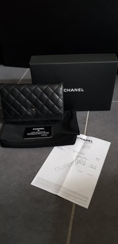 Chanel Wallet-on-chain