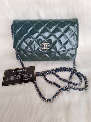 Chanel wallet on chain patent leather bag