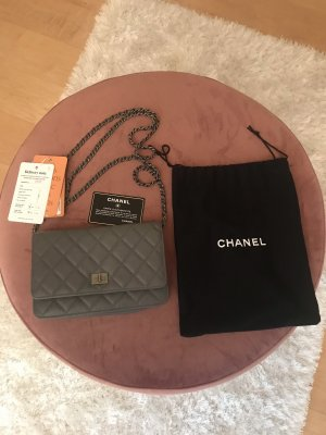 Chanel wallet on chain woc grau / Silber