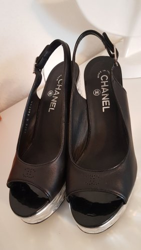 Chanel Wedge Leder Schwarz.
