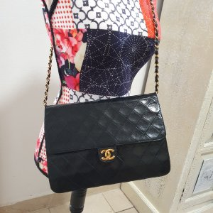 Chanel Sac porté épaule noir