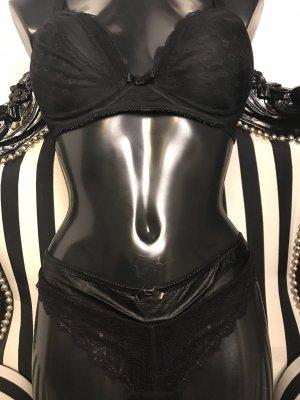 Chantelle Lingerie Set black