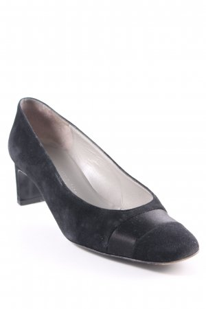 Charles Jourdan Pointed Toe Pumps black classic style