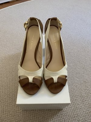 Charles & Keith Plateauzool pumps beige