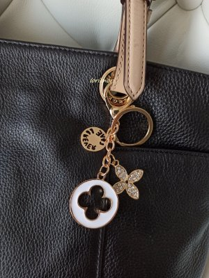 Key Chain white-gold-colored metal