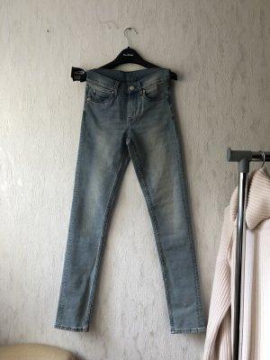 Cheap Monday Dopasowane jeansy jasnoniebieski