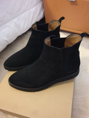 Pomme d'Or Chelsea Boots black suede